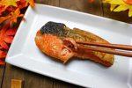 鮭はなぜ白身魚?その理由と持つ栄養素の秘密に迫る!